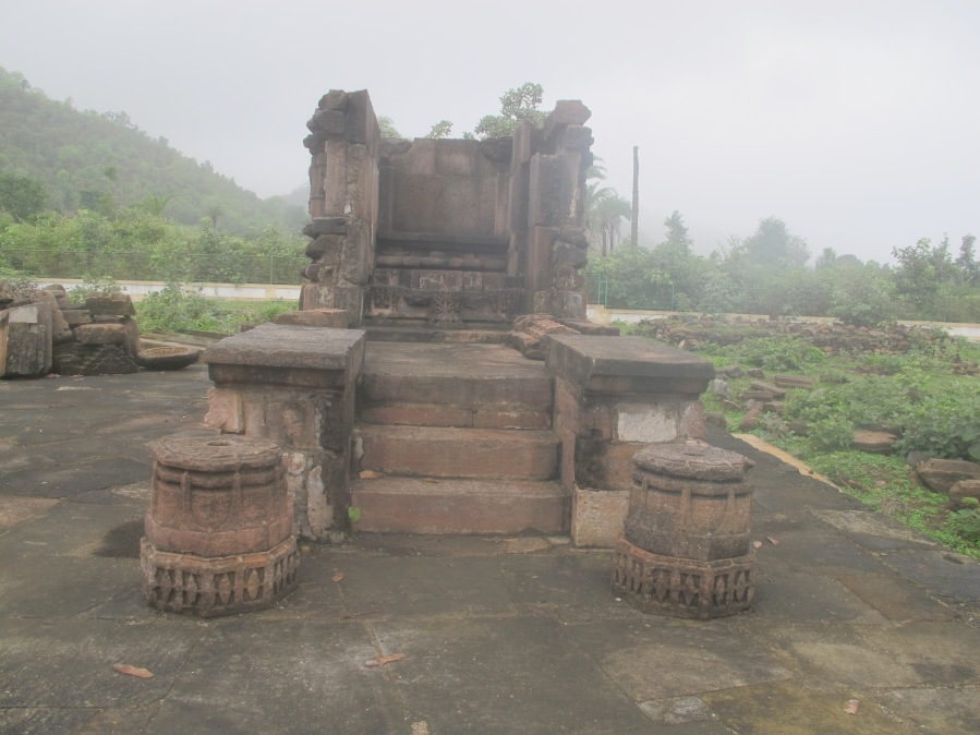 Small temple without the shikhara